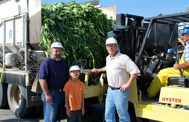 NWHarvest_Hirai Farms donating corn for food banks